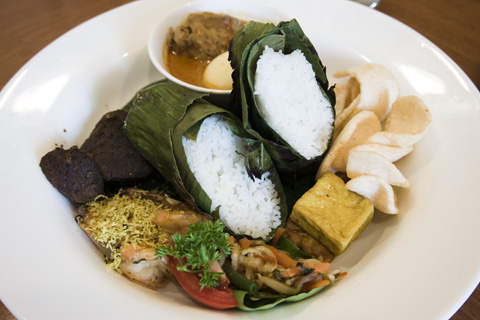 holiday_inn_batam_nasi_bakar