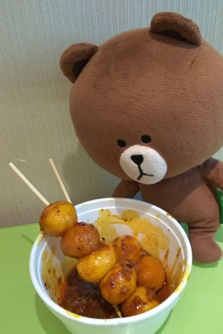 hong-kong-hau-fook-street-05-curry-fish-ball
